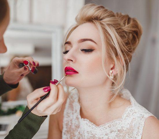 Come scegliere il make-up sposa 2021